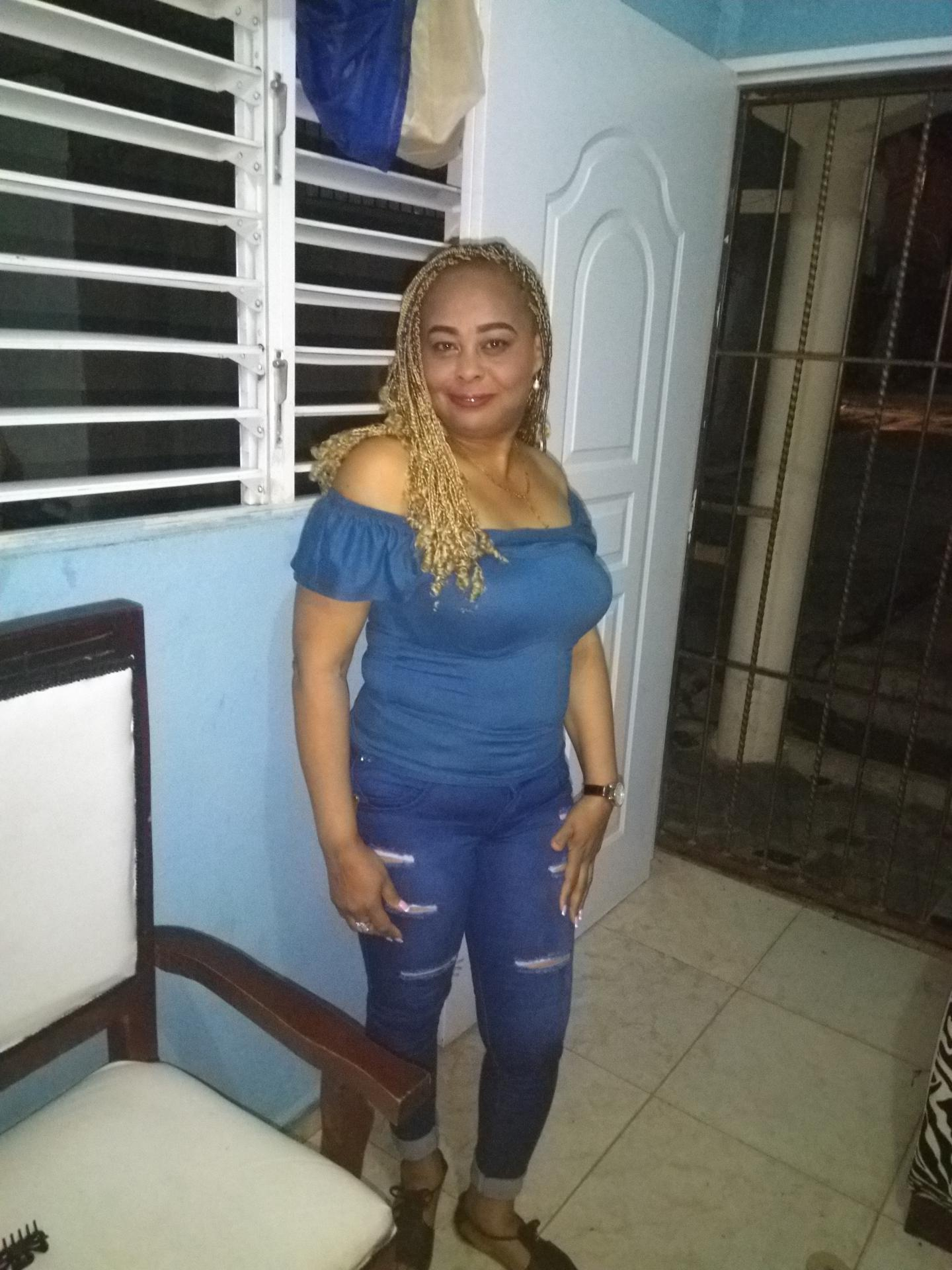 Mujer Busca Hombre - 706929